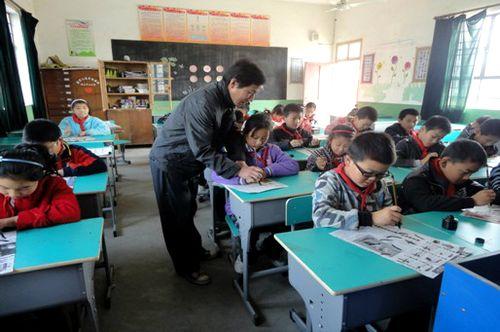 芜湖:少年宫选择丰富管理规范让孩子a孩子成长鱼缸潜水泵的活动图片