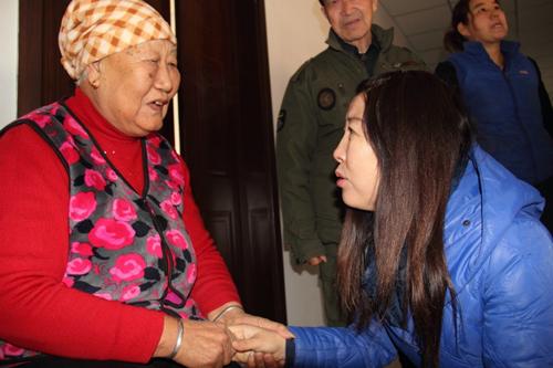 义工妈妈21年照顾16位孤残老人 帮助42个孩子圆读书梦 - yangruihe987 - 1號